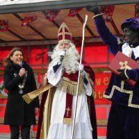 Sinterklaas in Pijnacker op zoek naar een oud Sinterklaasliedje