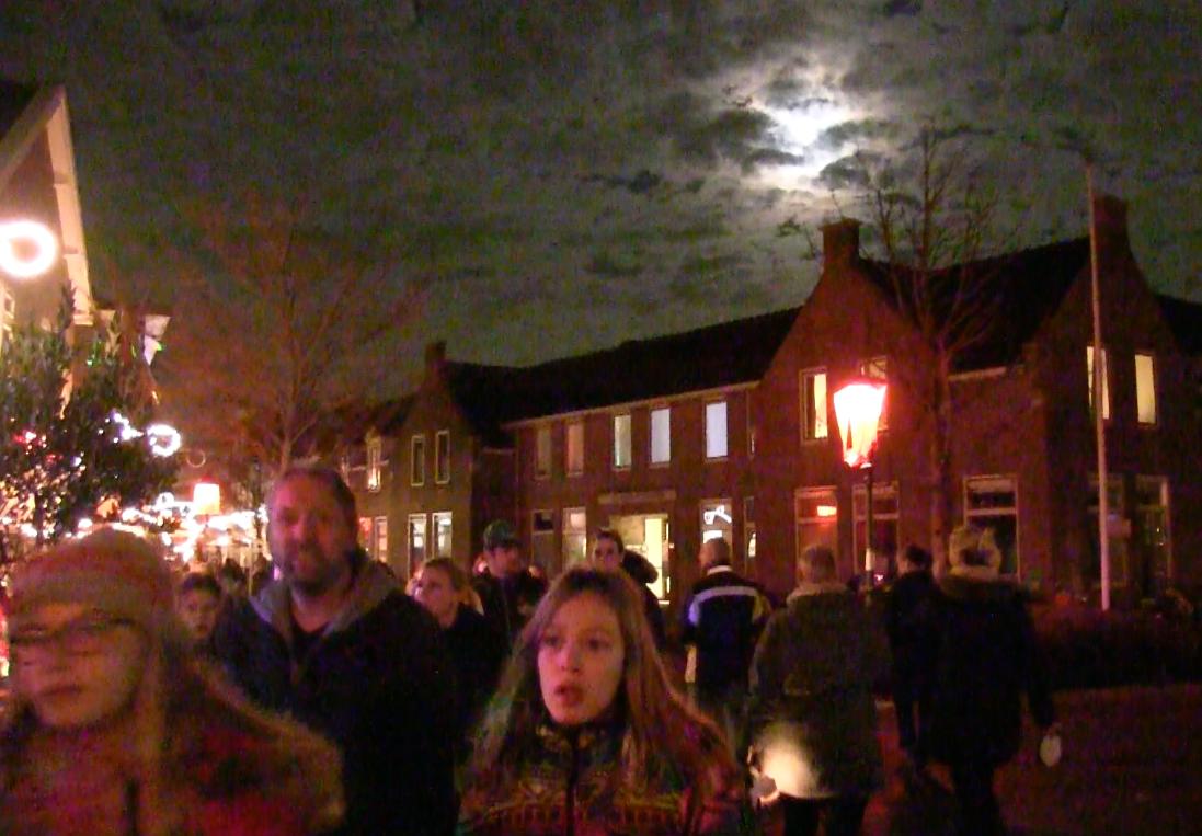 Vele honderden bezoekers op Kaarsjesavond Nootdorp