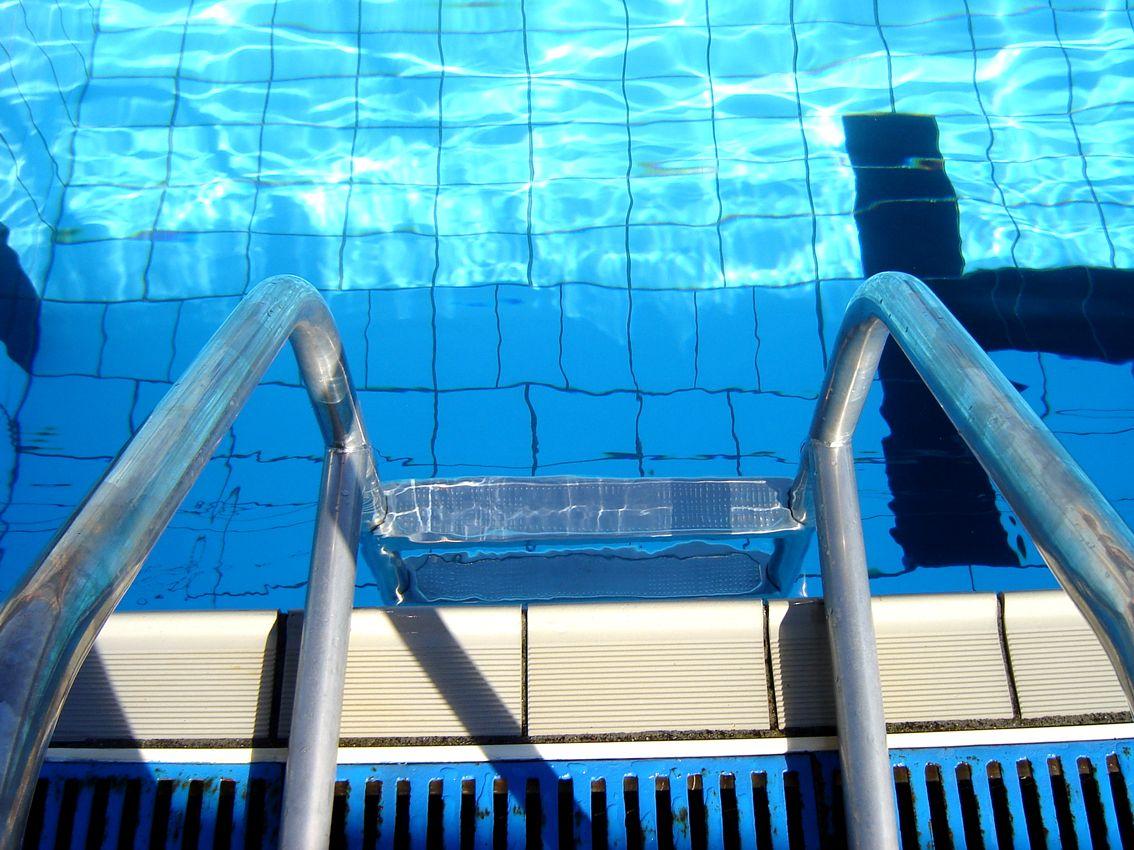 Kinderen met beperking halen zwemdiploma