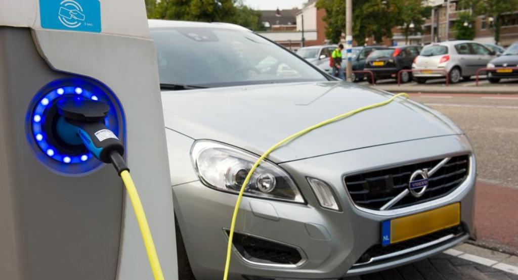64 nieuwe oplaadpalen voor electrische auto's