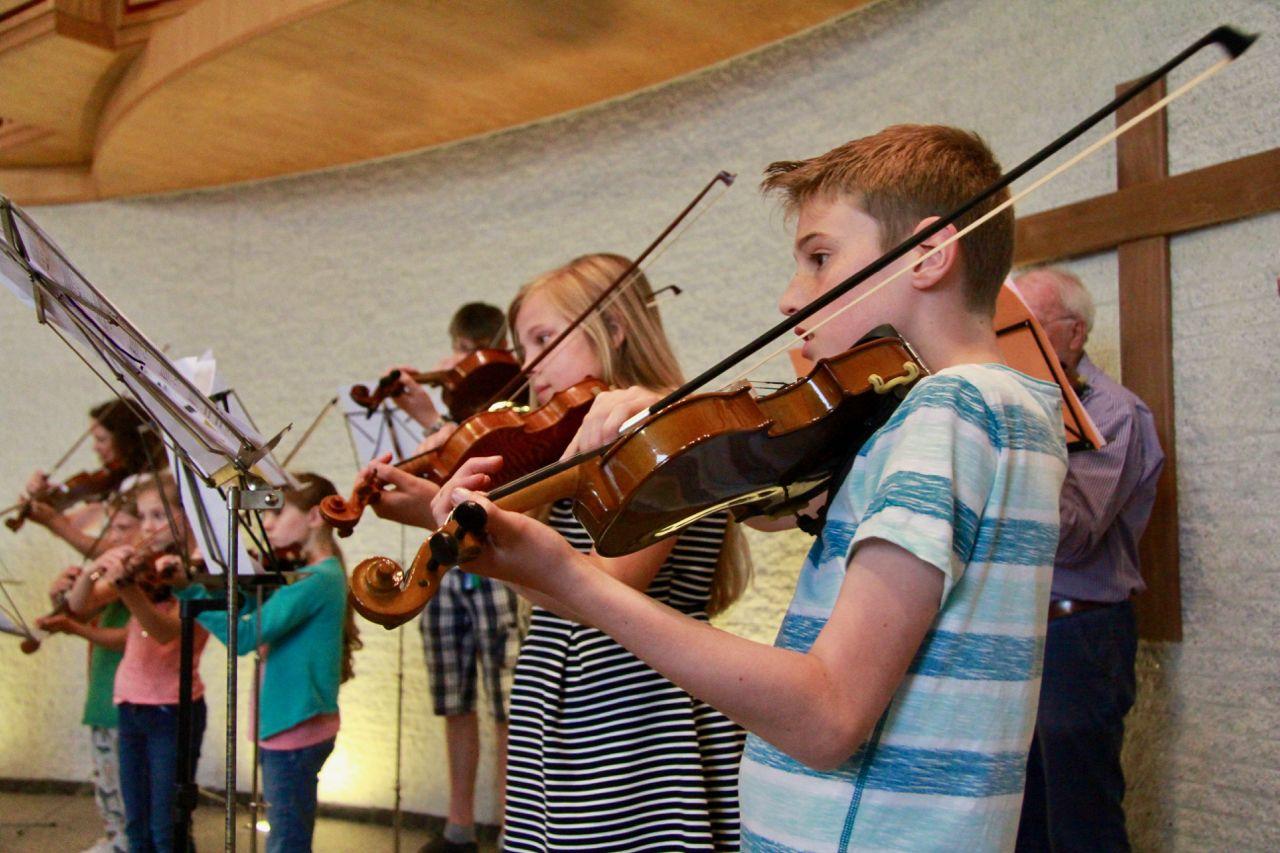 Klassieke en moderne muziek bij leerlingenconcert