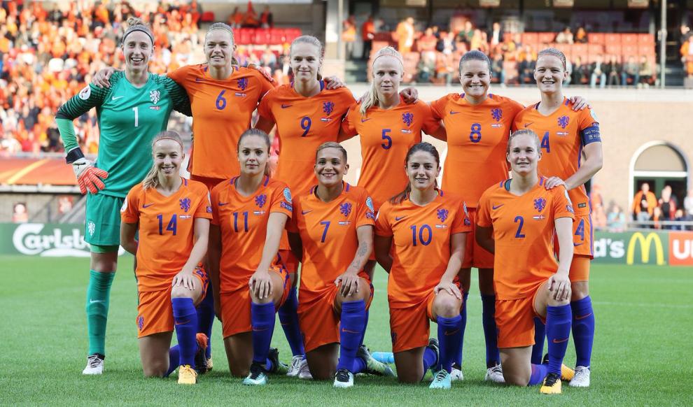 Voetbalvrouwen behalen winst in Rotterdam